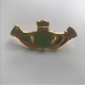 Claddagh Irish pin brooch